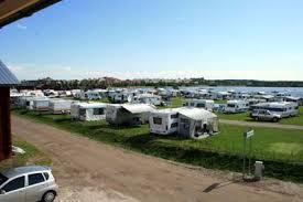 Comment reconnaitre les aires de camping-car sur l'autoroute ?