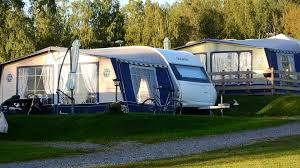 Doit-on s'attacher dans un camping car ?