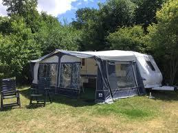Peut-on vivre dans un camping car à l'année ?