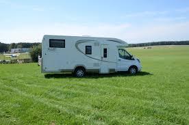 Comment installer une caméra de recul sur un camping car ?