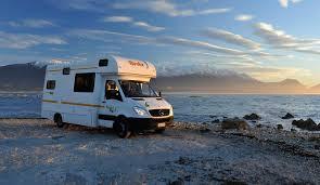 Comment réparer une moustiquaire de porte de camping car?
