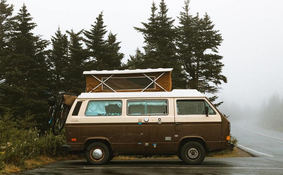 Une journée sous la pluie en camping-car: 4 idées pour s'occuper